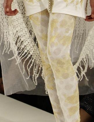 Vergoldete Leggings   Luciano Raimondi